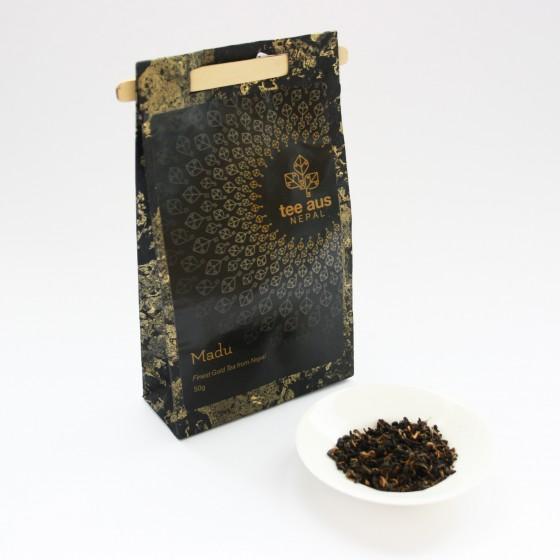golden schwarzer tee aus nepal